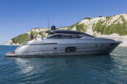Yacht Pershing 62