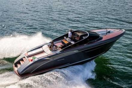 Yacht Riva Rivamare