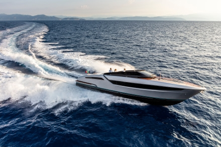 Yacht Riva Dolceriva