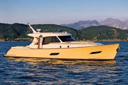 Yacht Mochi Dolphin 54'