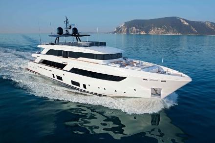 Yacht Custom Line Navetta 42