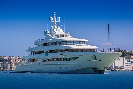 Yacht CRN Mimtee