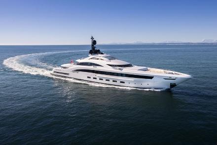 Yacht CRN Yalla