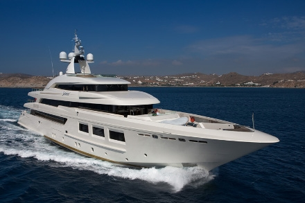 Yacht CRN Saramour