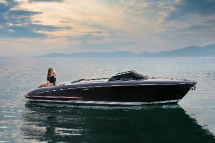 Yacht Riva Iseo