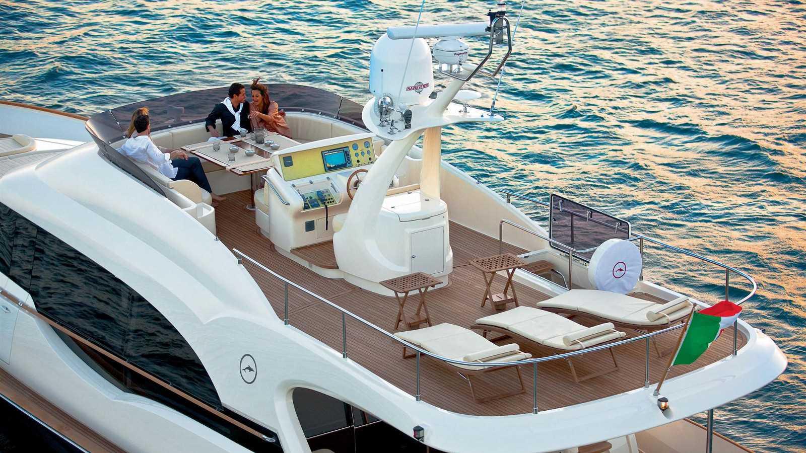 Mochi Dolphin 74' Cruiser